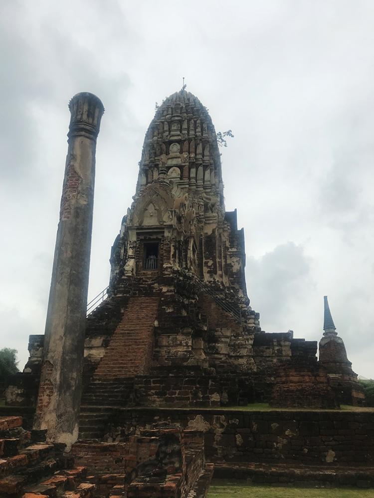 Torre central del Wat Ratchaburana