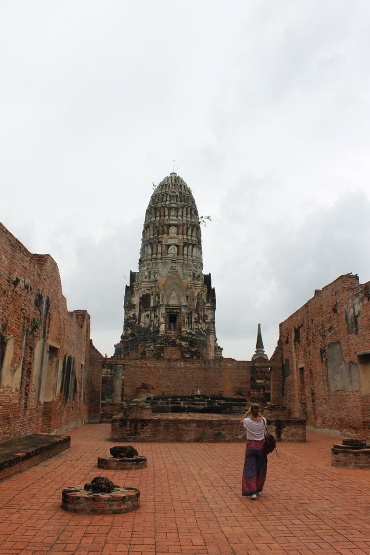 Interior de una de las estancias del Wat Ratchaburana.